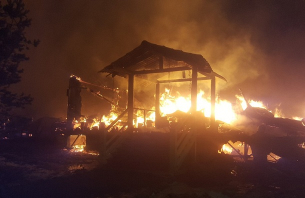 ВЛенинградской области сгорел горнолыжный курорт «Снежный»