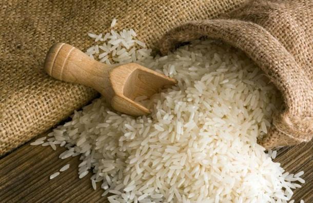 Роспотребнадзор проверит слухи опластиковом рисе