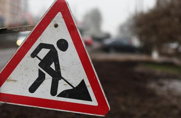 ВПетербурге работы попрокладке электрокабеля остановят движение поМорской набережной