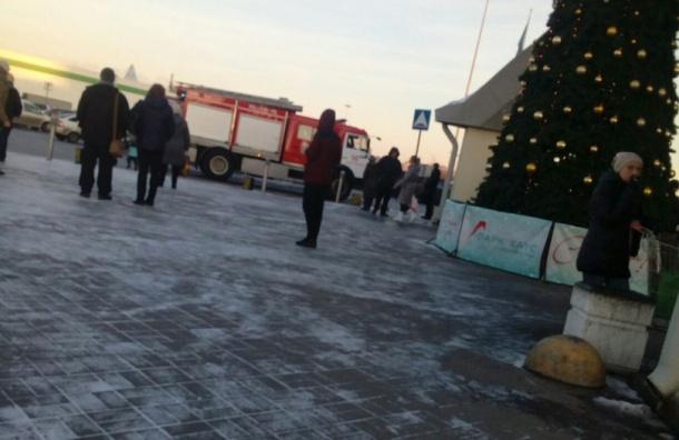 ЭвакуированТЦ «Северный Молл» напроспекте Культуры