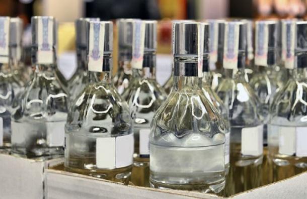 ВШушарах ликвидирован мини-завод попроизводству контрафактного алкоголя