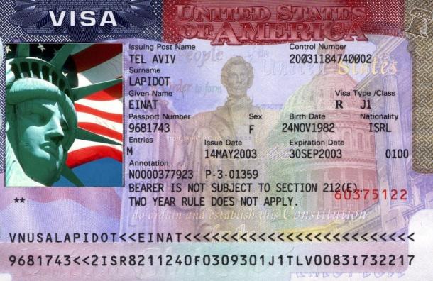Консульства США вРФ возобновили выдачу виз