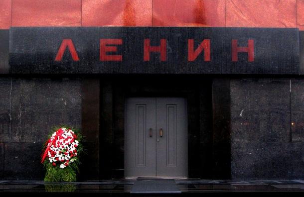 Вопрос овыносе тела Ленина изМавзолея разделил граждан России пополам