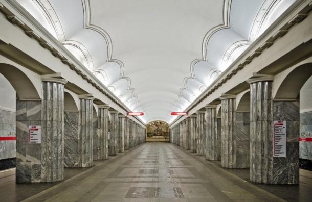 Неизвестные напали напассажиров метро Петербурга, четверо пострадали