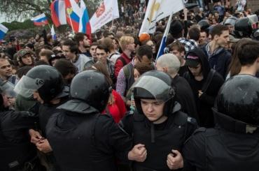 Участникам протестных митингов блокируют счета