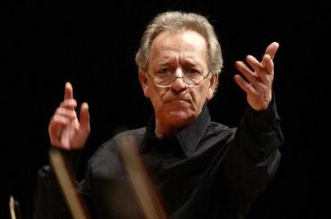 Темирканов посвятит концерт памяти Хворостовского