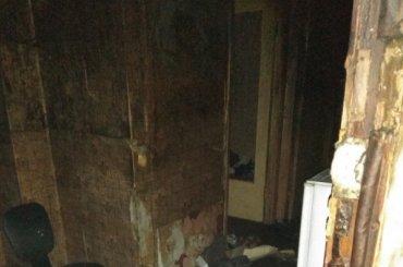 Квартиру воФрунзенском районе тушили 15 человек