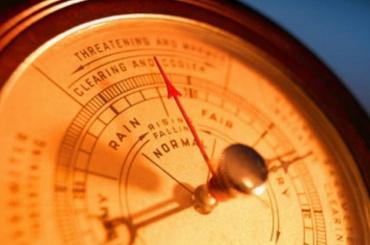Петербуржцев предупреждают орезком скачке атмосферного давления