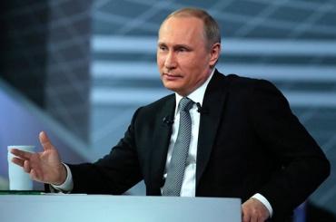 Путин продолжает отрицать присутствие российской армии наДонбассе