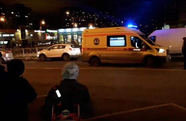 Женщина угодила под колеса авто наЭнтузиастов вПетербурге