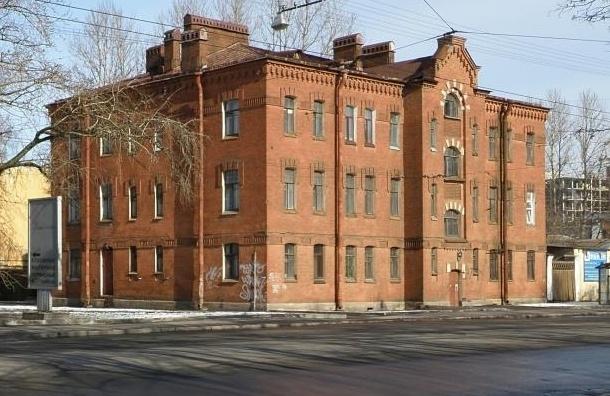 ВЗакСе посоветовали усложнить процедуру перевода исторических зданий вобычные