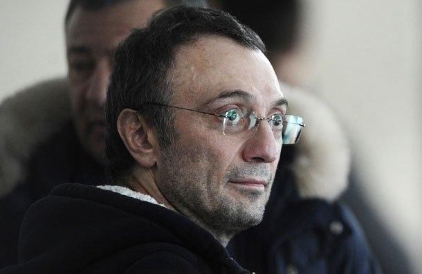 Франция разрешила Керимову натри дня вернуться вРоссию