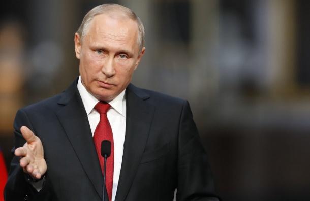 Путин сообщил оготовности передать Украине военные корабли изКрыма