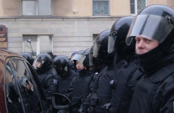 Координатора штаба Навального вПетербурге забрали всуд