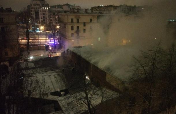 Здание Можайки горело вПетербурге