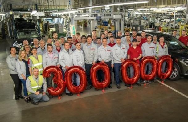 Завод Nissan выпустил юбилейный автомобиль