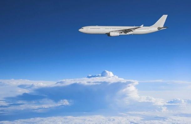 Пилотам удалось избежать воздушного столкновения самолетов близ столицы