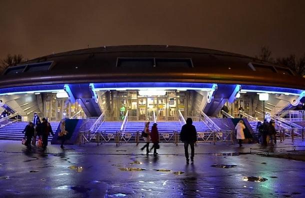 ВПетербурге на2 месяца ограничат вход настанцию метро «Горьковская»