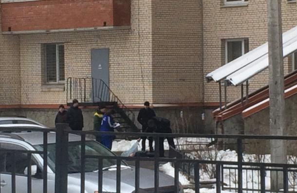 20-летний парень разбился, выпав изокна наКондратьевском проспекте
