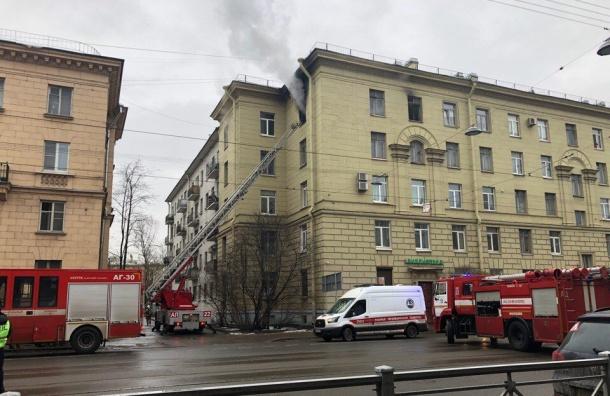 Фото горящей квартиры наСавушкина вПетербурге появилось всети интернет