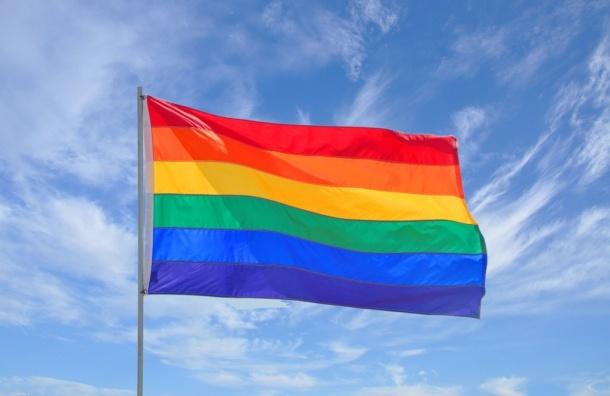 Рассказавшие обраке геи уехали изРоссии из-за угроз