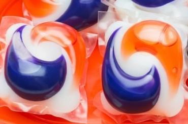 Новый флешмоб: подростки едят стиральный порошок накамеру