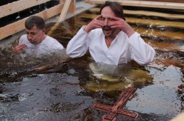 Полтавченко запретил крещенские купания вводоемах Петербурга