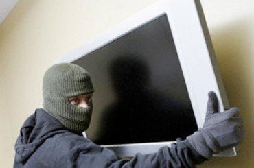 Чиновники Калининского района отбили свой телевизор увора
