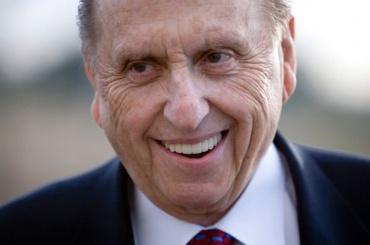 Глава мормонов умер вСША