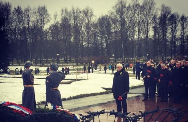 ВПетербурге отмечают 74-ую годовщину снятия блокады
