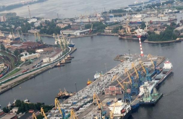 Порт Петербурга небудет принимать опасные грузы впериодЧМ пофутболу