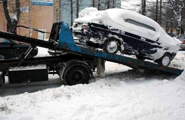 Ради уборки снега эвакуировали 20 тысяч автомобилей