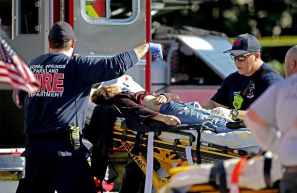 Стрельба вшколе воФлориде унесла жизни 17 человек
