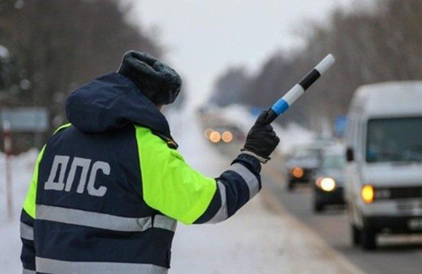 Более 600 аварий произошло вПетербурге заполдня