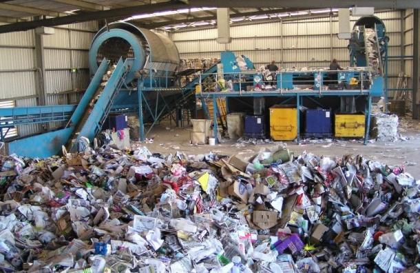 Петербург одним изпервых вгосударстве выбрал регионального оператора поутилизации мусора