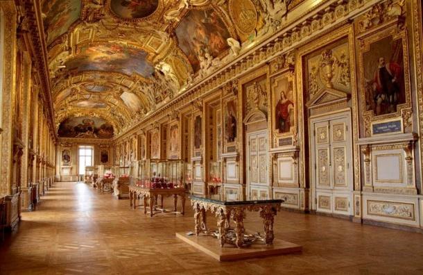 Петербургские дворцы ихрамы отреставрируют за325 млн рублей