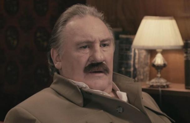Кинотеатр «Пионер», показавший «Смерть Сталина», оштрафовали задругой фильм— «Диван Сталина»