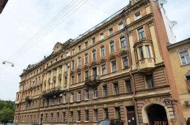 Прокуратура требует отЖКС заняться разрушающимся Домом Михайлова