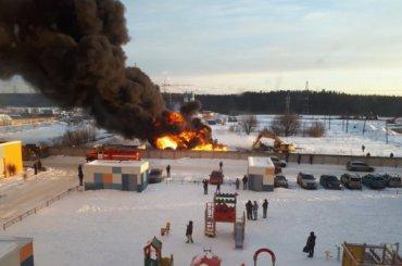 Подростки устроили пожар натеплотрассе