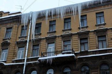 Петербургские власти назвали худшие районы поуборке снега