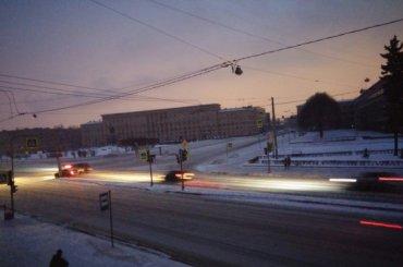 Без электричества вПетербурге сидело более 100 тысяч человек