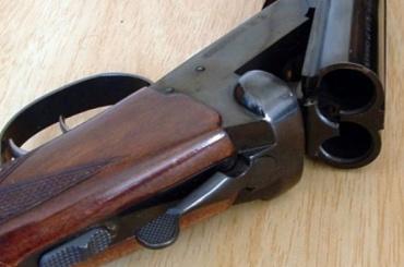 Петербуржец обещал застрелить родную дочь