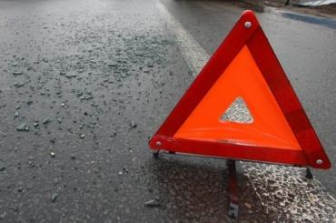 Машина сбила девушек иребенка воФрунзенском районе