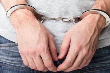 СМИ: петербургского ресторатора задержали награнице