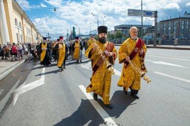 Варсонофий благословил крестный ход трезвенников вПетербурге