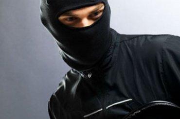 Неизвестные напали наApple shop иМТС
