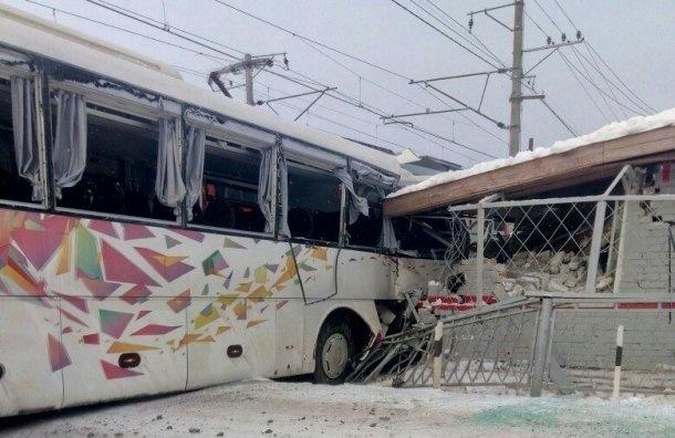 Установлены подозреваемые встолкновении электрички савтобусом вРощине