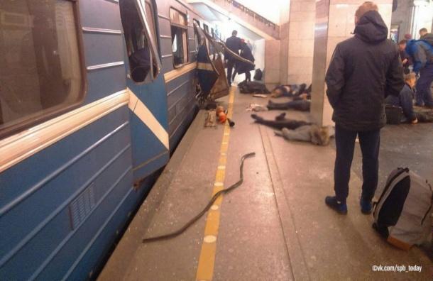 Фигурантам дела отеракте впетербургском метро продлили арест