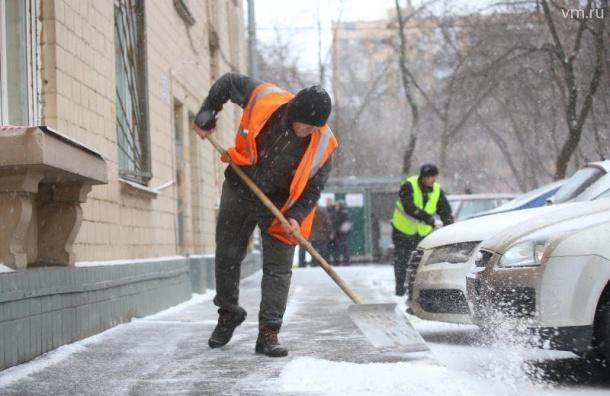 Весенняя уборка улиц начнется вПетербурге