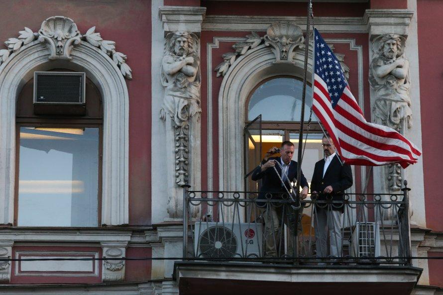 Все дипломаты покинули строение генконсульства США вПетербурге